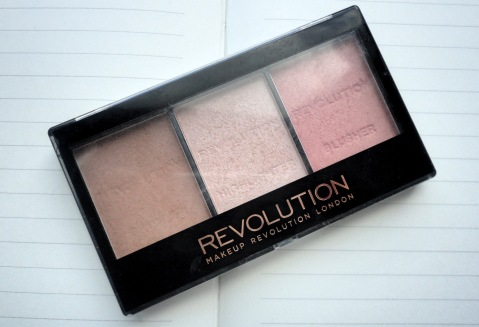 Makeup revolution Contour kit