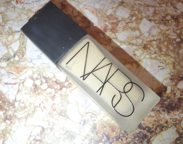 Nars Luminous Weightless Foundation